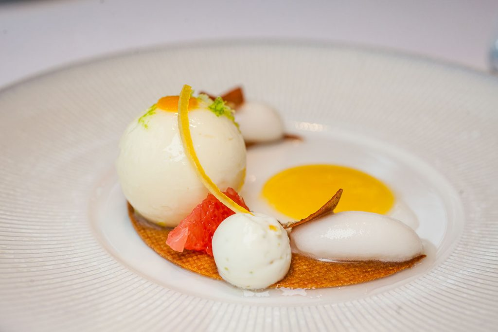 Lemon & Jasmine dessert at Maison Lameloise Shanghai - French Michelin 3-star restaurant opens in Shanghai Tower.