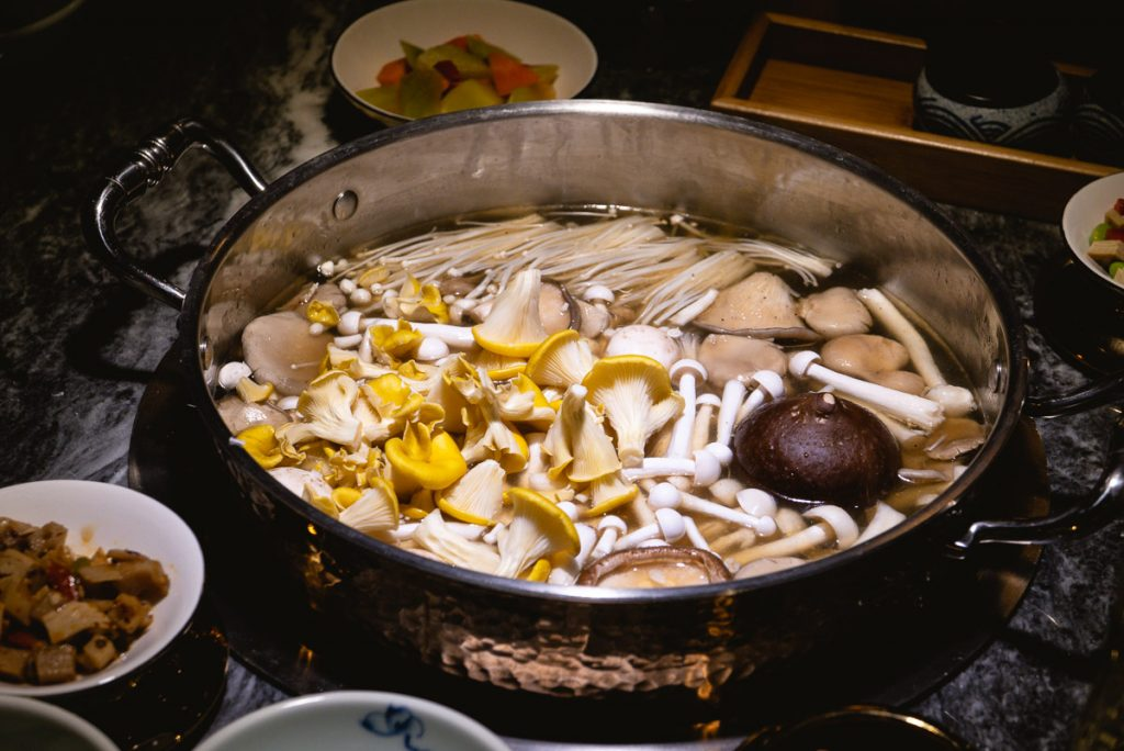 Da Yi Seafood Hot Pot, premium hot pot in Shanghai. Photo by Rachel Gouk.