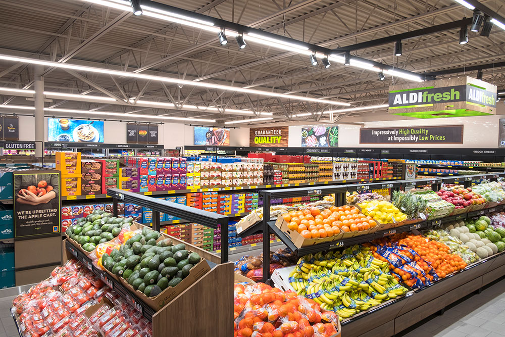 International retail giant ALDI opens its first two physical stores in China this June, right in Shanghai's Jing'an and Minhang districts.