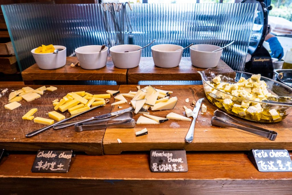 Boozy Brunch in Shanghai: Social Retox at The Kitchen Table, W Shanghai. Photo by Rachel Gouk.