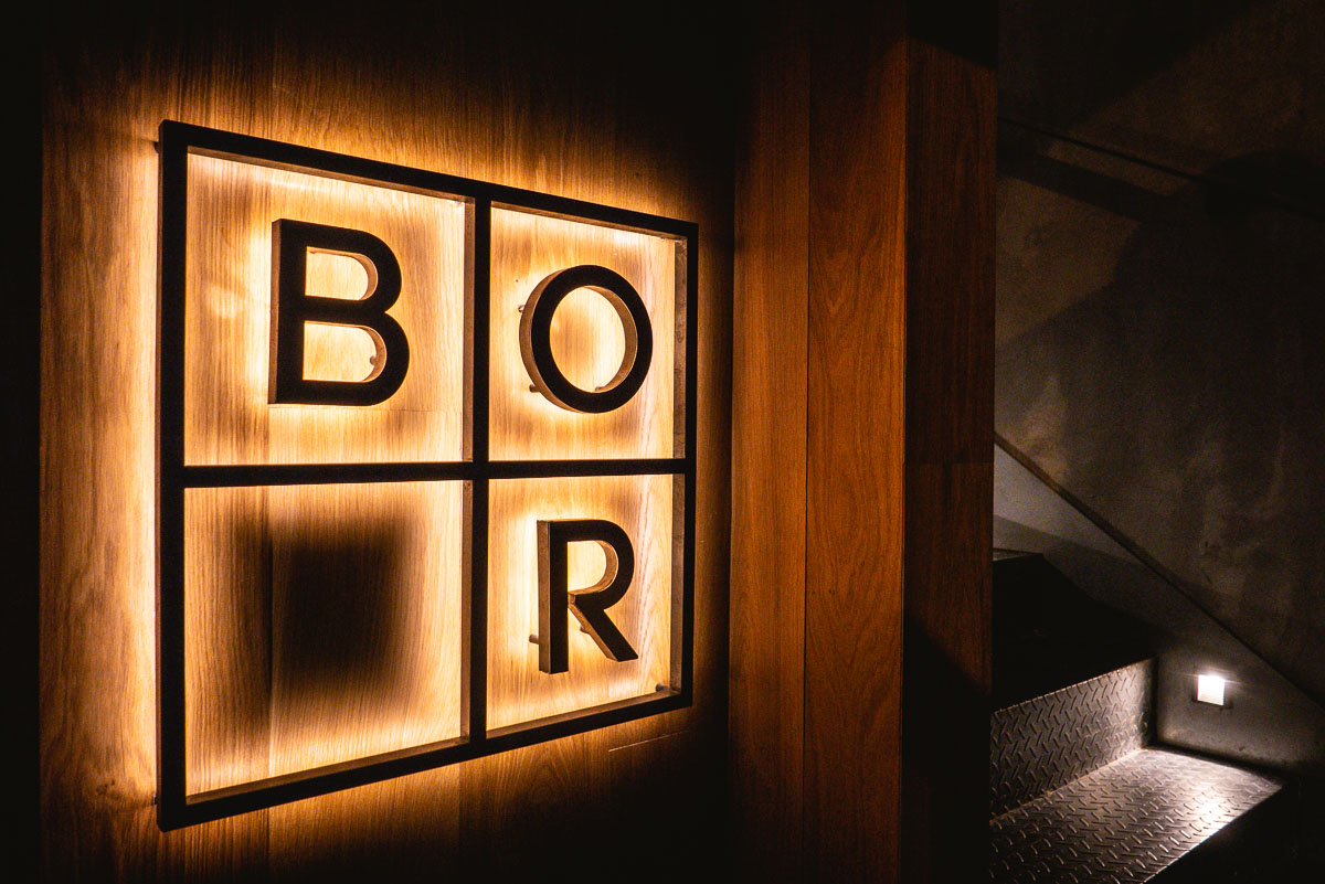 BOR Eatery is casual dining restaurant that revolves around a seasonal chef-driven menu led by Danish chef Kasper Pedersen. A gorgeous open kitchen takes center stage, drawing diners into the chef's natural habitat.