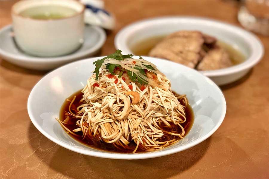 Huaiyang restaurant Yechun Teahouse in Shanghai.
