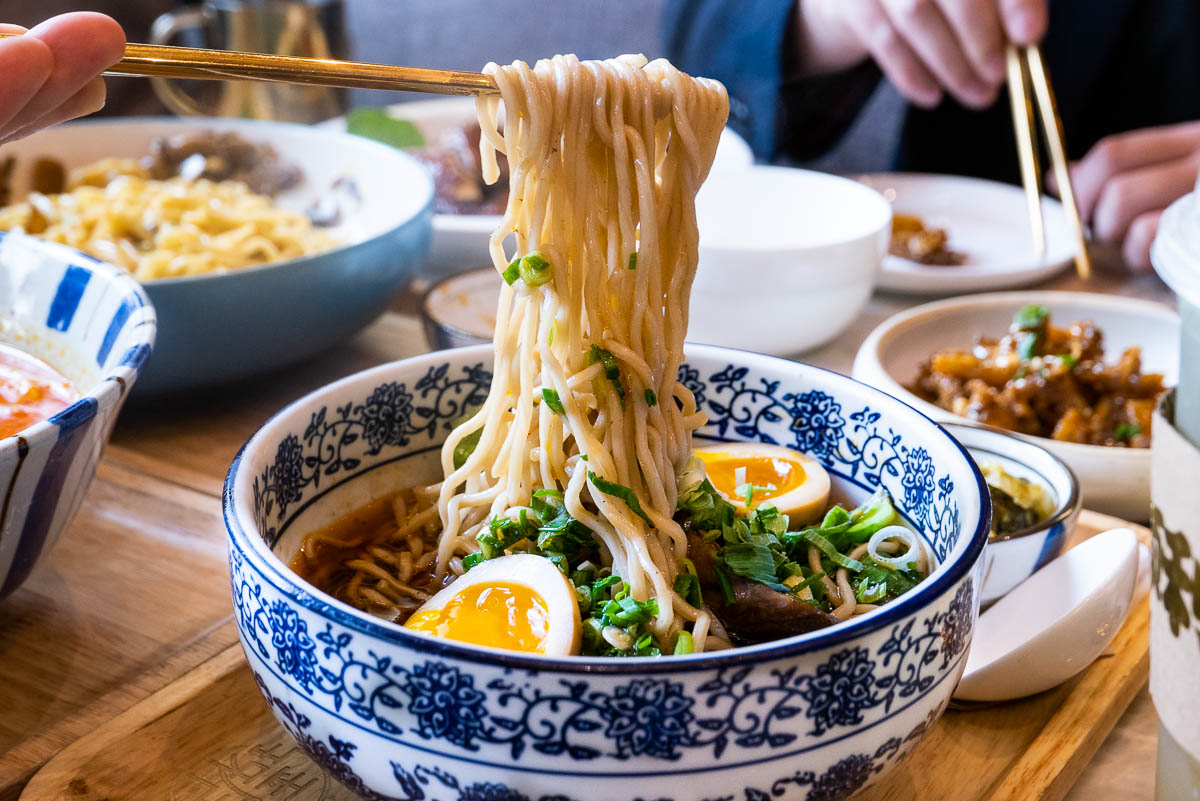 JYJ Noodle Bar is a popular Taiwanese chain in Shanghai that does excellent noodles. Photo by Rachel Gouk @ Nomfluence.