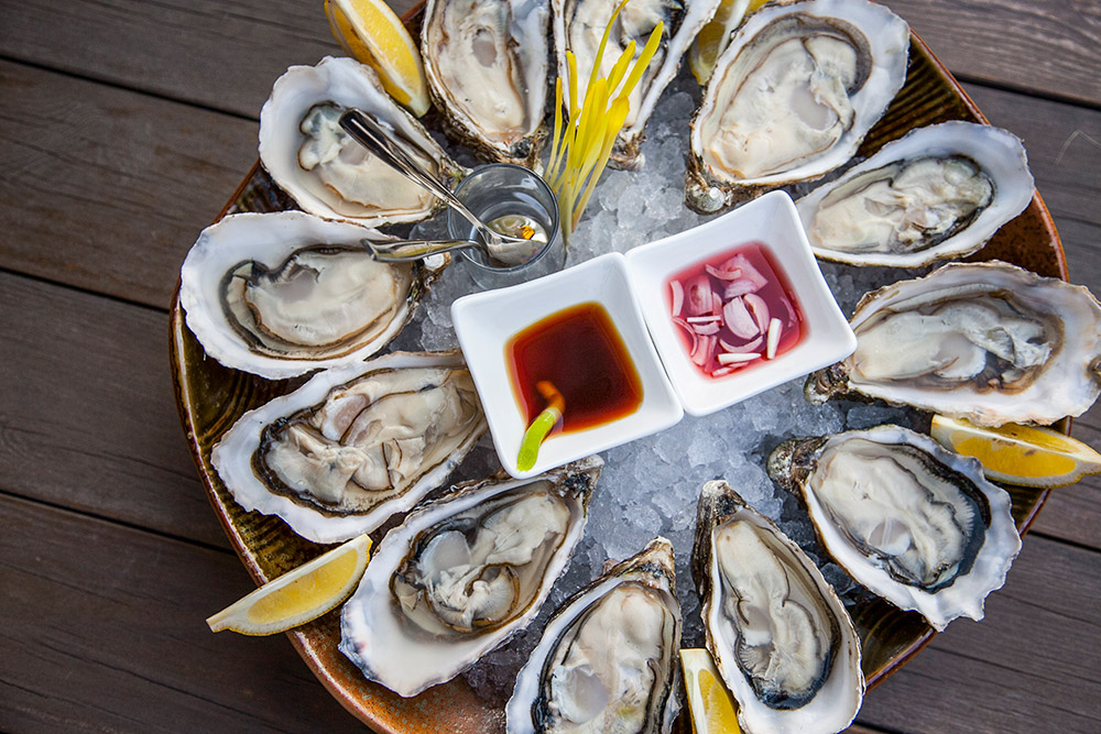 Best oyster deals in Shanghai: The Plump Oyster. Read more on Nomfluence.