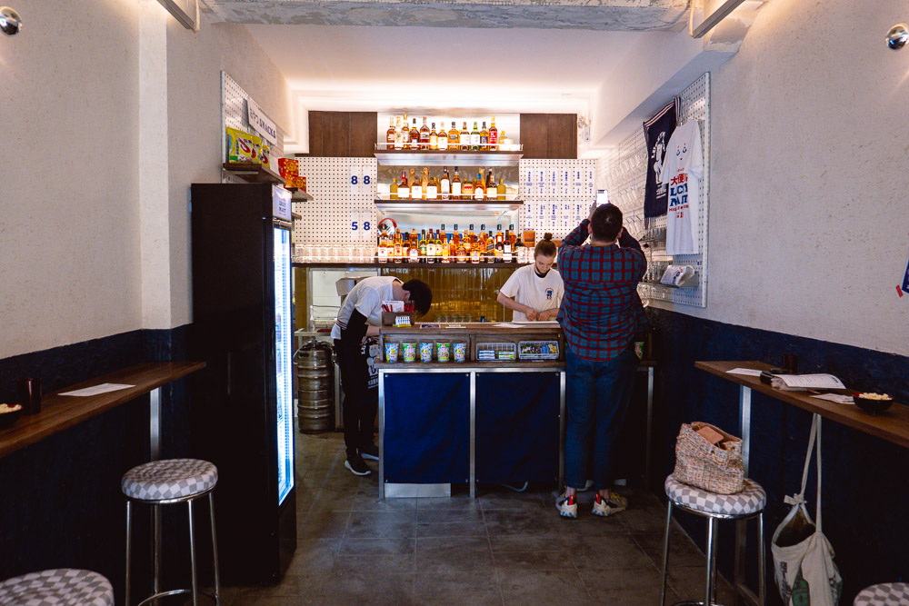 Bars in Shanghai: Cheap highballs at dive bar Lucky Mart. Photo by Rachel Gouk @ Nomfluence.