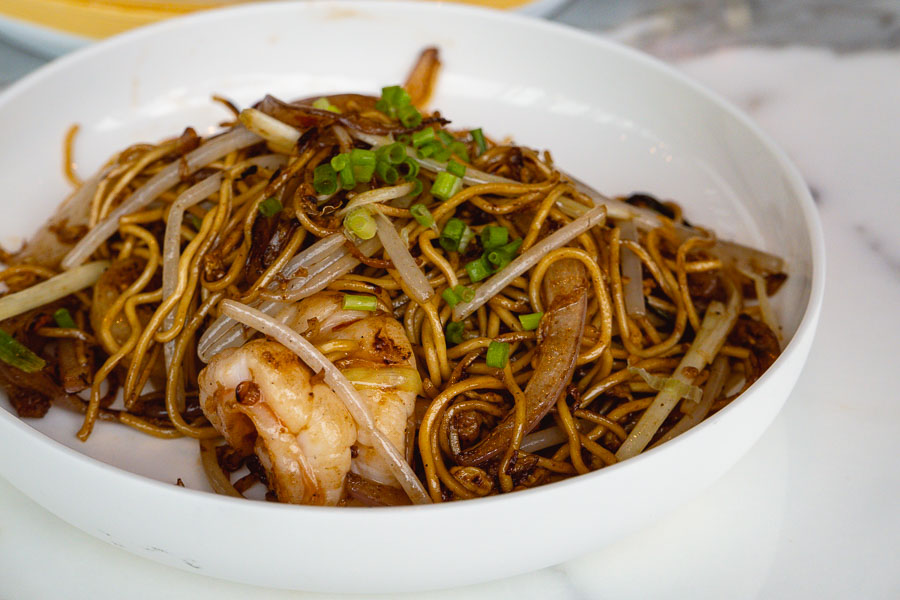 Fried noodles. All-you-can-eat dim sum brunch at YEN Chinese restaurant, W Shanghai. Photo by Rachel Gouk @ Nomfluence.