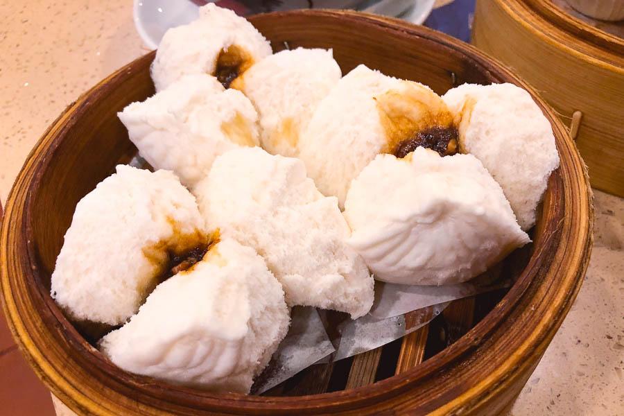 Charsiu buns. Where to eat cheap dim sum in Shanghai: Dian Du De 点都德, a dim sum chain in Shanghai. Photo by Rachel Gouk @ Nomfluence.