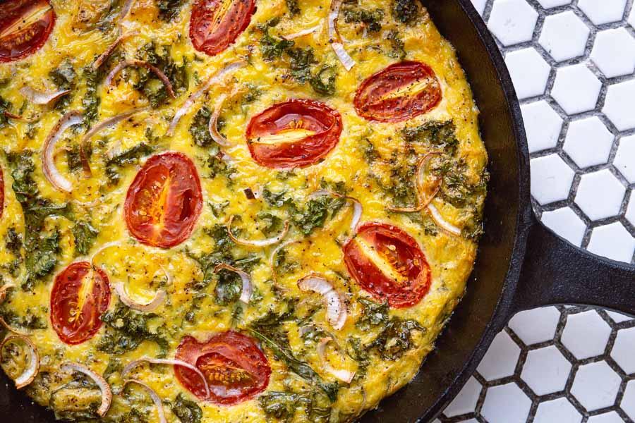 Baked Frittata. Easy recipes with plant-based egg alternative JUST Egg. Photos by Rachel Gouk @ Nomfluence.