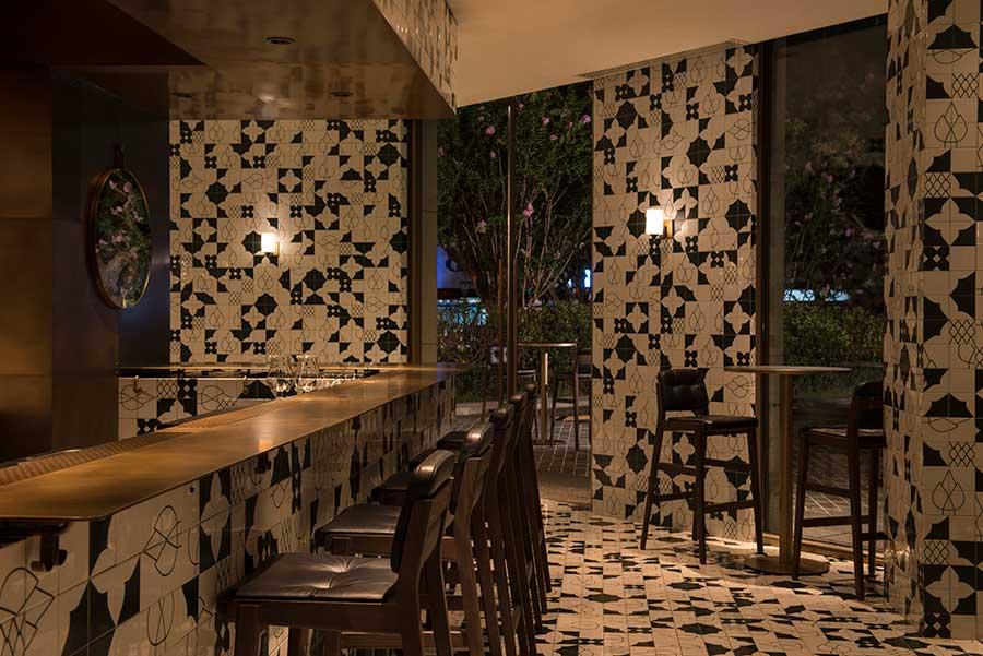 The ZUK Bar, Sukhothai Shanghai hotel.