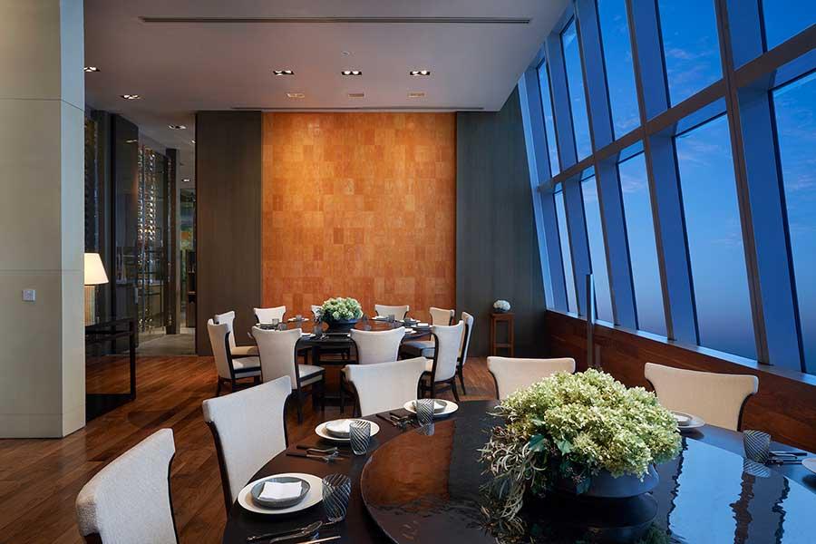 The Dining Room (Yue Xuan 悦轩), modern Chinese restaurant serving Jiangnan cuisine at the Park Hyatt Shanghai.
