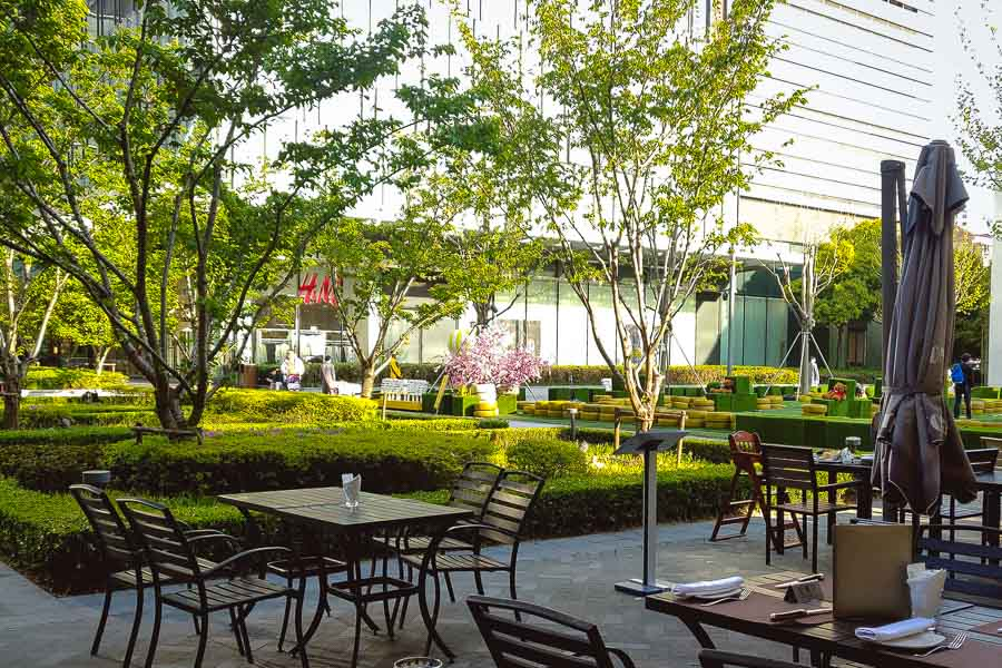 Outdoor terrace seating at Morton's Grille Changning in Shanghai. Photo by Rachel Gouk @ Nomfluence.