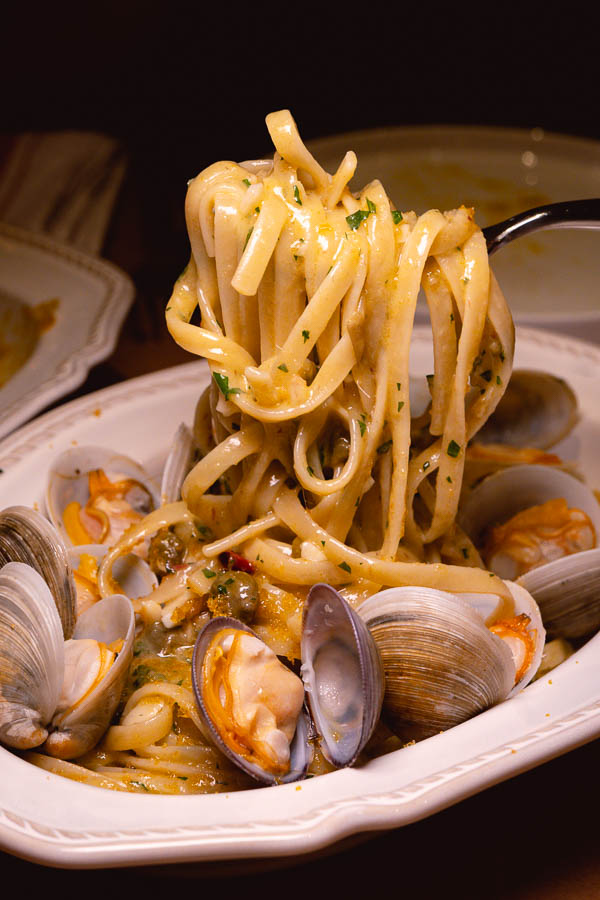 Linguine alle vongole. Italo Trattoria is a casual Italian restaurant in Jing'an, Shanghai. Photo by Rachel Gouk @ Nomfluence.