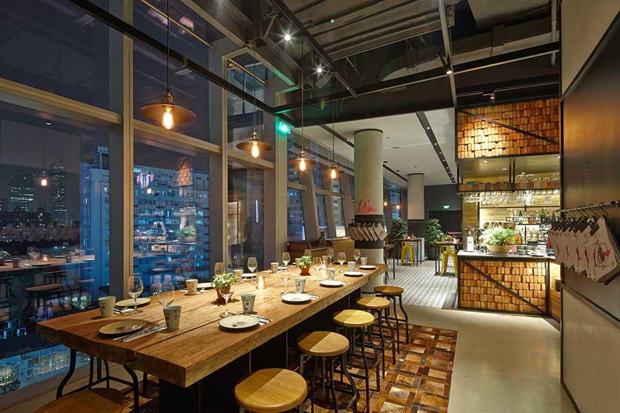 The CUT Steak & Fries, restaurant bar and lounge in Shanghai. Photo by Rachel Gouk @ Nomfluence.