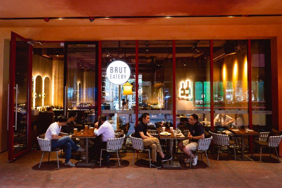 Brut Eatery Wine Bar & Restaurant. Restaurants, bars and cafes at The Roof, Xintiandi, Shanghai. Photo by Rachel Gouk @ Nomfluence.